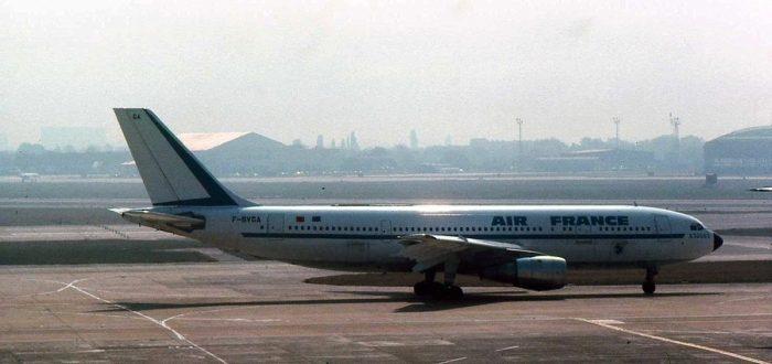 Air France Airbus A 300 F-BVGA.jpg