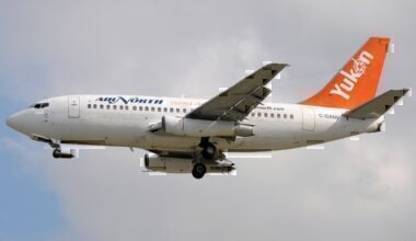 737-200 with unpaved strip kit