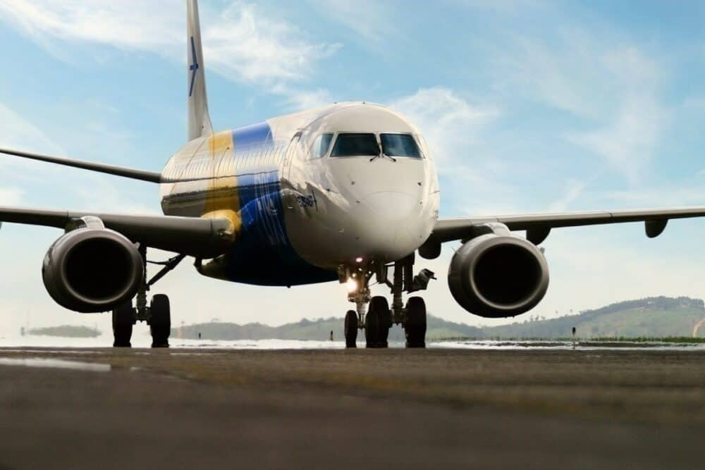 Embraer E195 by Embraer