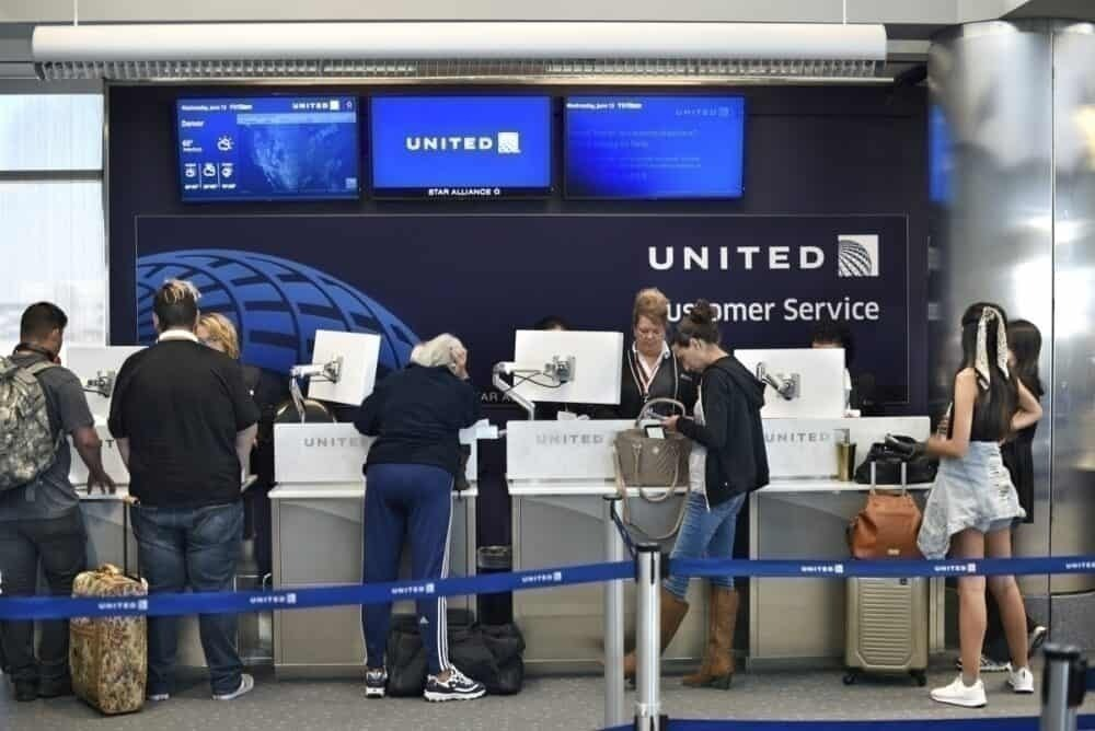 United customer service getty images