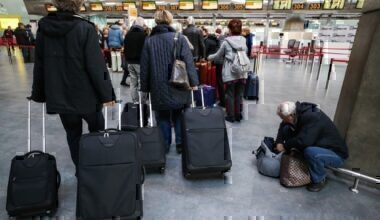 Check in airport baggage