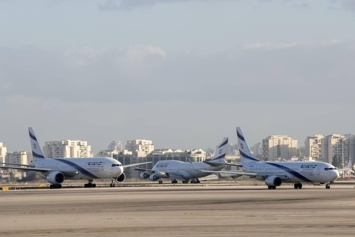 3 El Al aircraft on the runway
