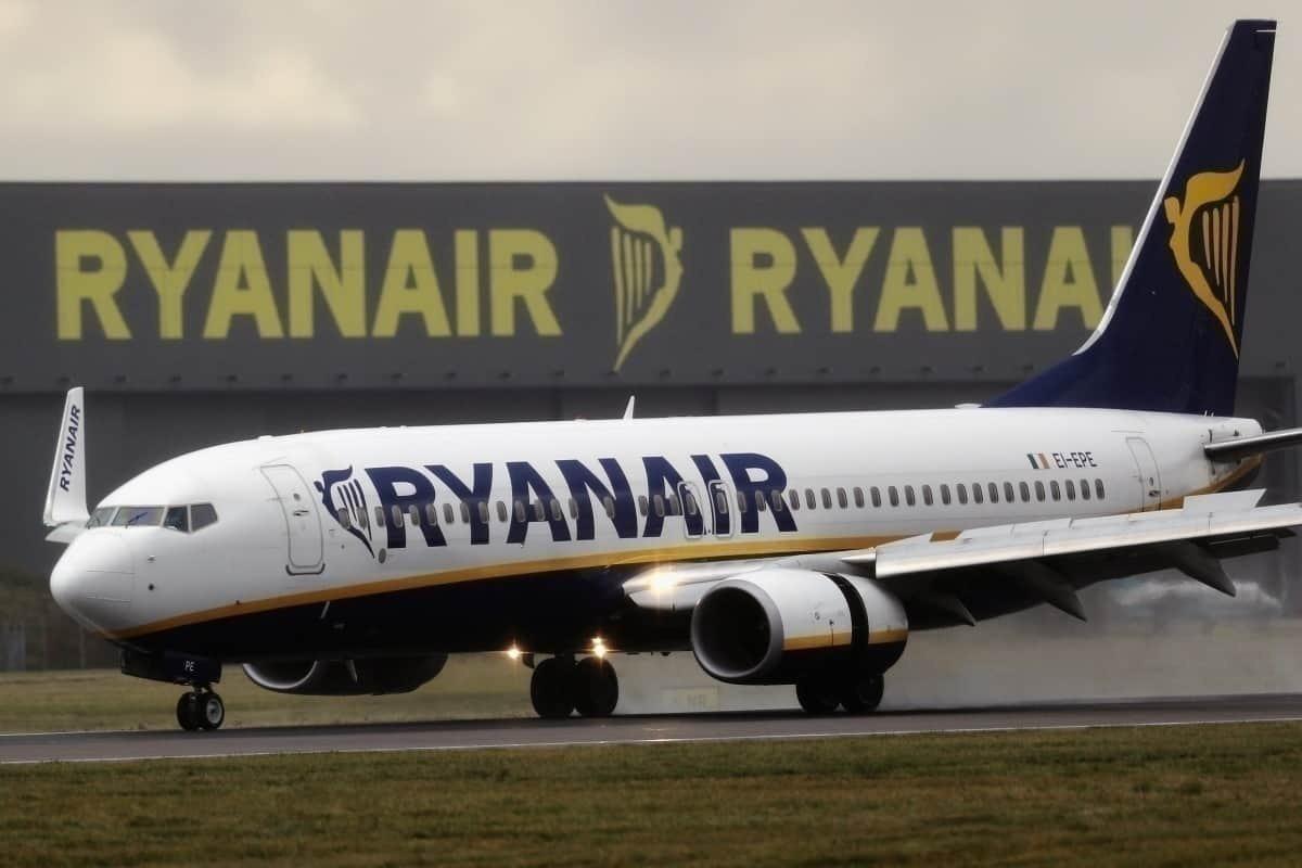 Ryanair coming into land