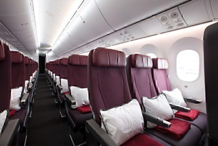 qantas-787-economy-cabin