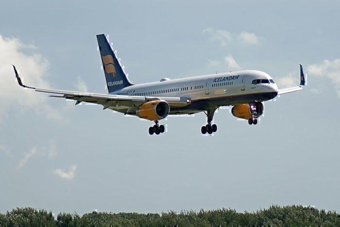 icelandair-757