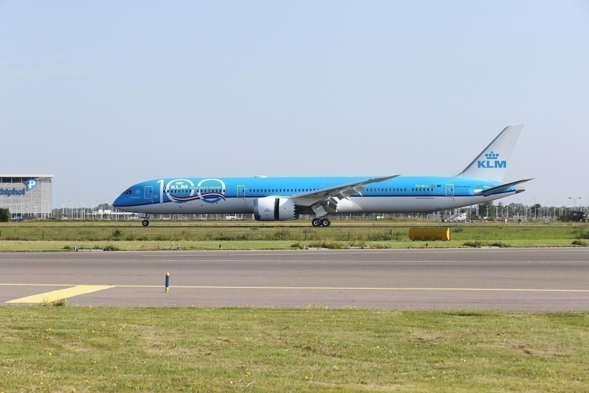 Delhi-bound KLM Boeing 787-10 Makes U-Turn Over Russia - Simple Flying