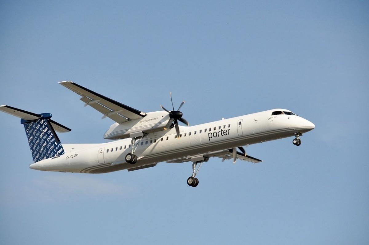 Porter Airlines.Dash-8.YUL