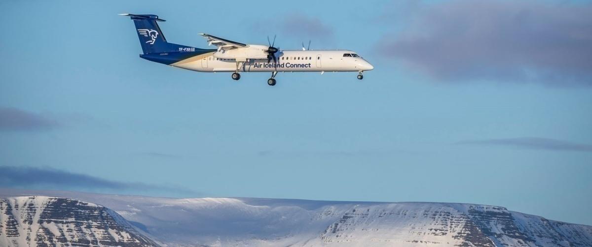 1600-Bombardier Q400(1)