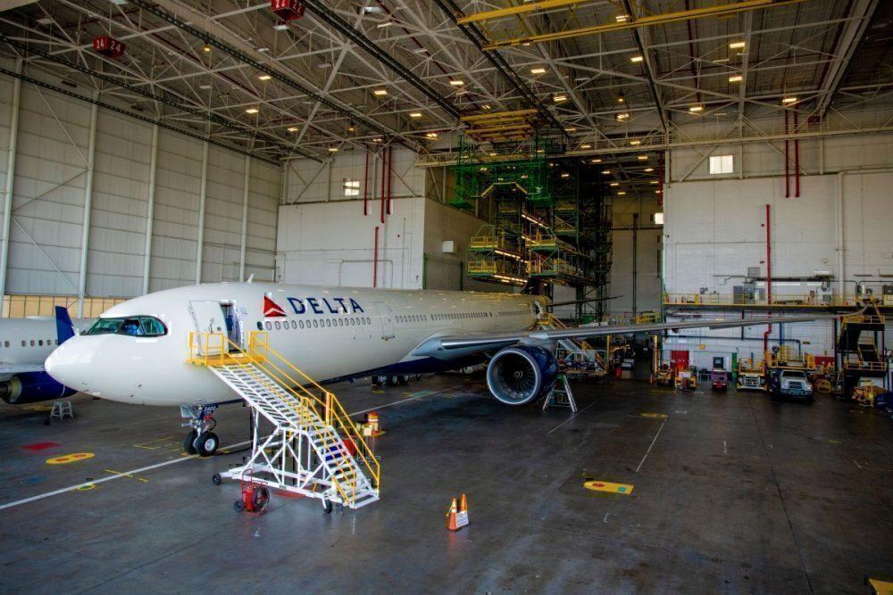A330neo in a hanagar
