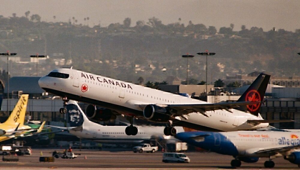 Air-Canada-Rehires-laid-off-staff
