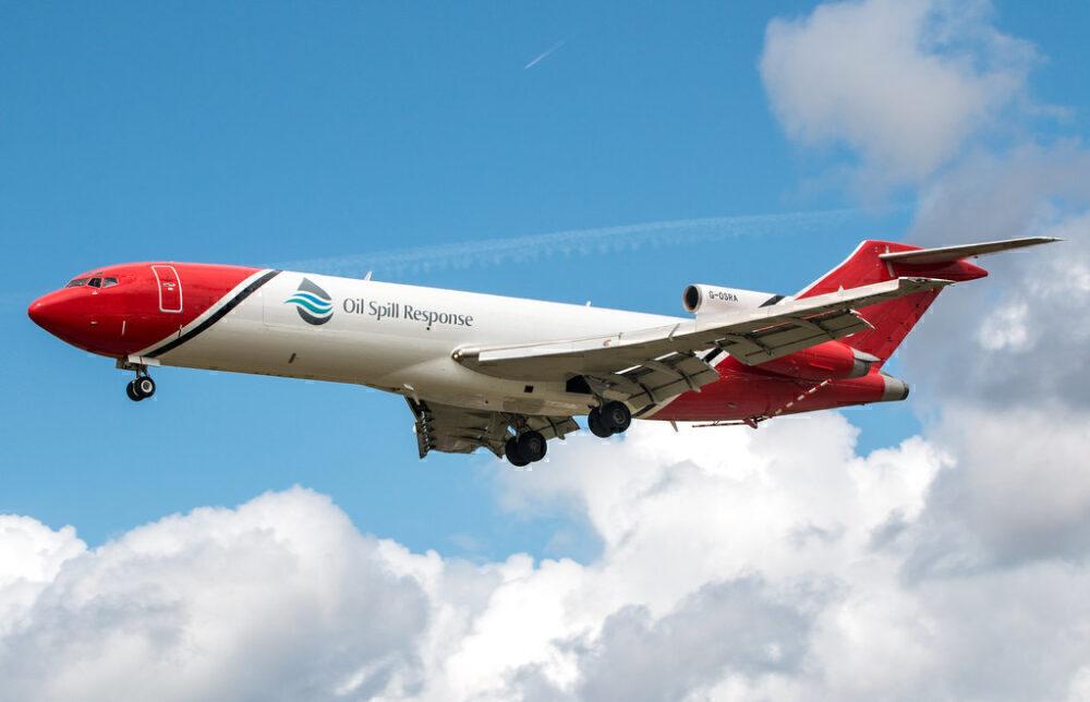 Boeing 727 Oil Spill Response
