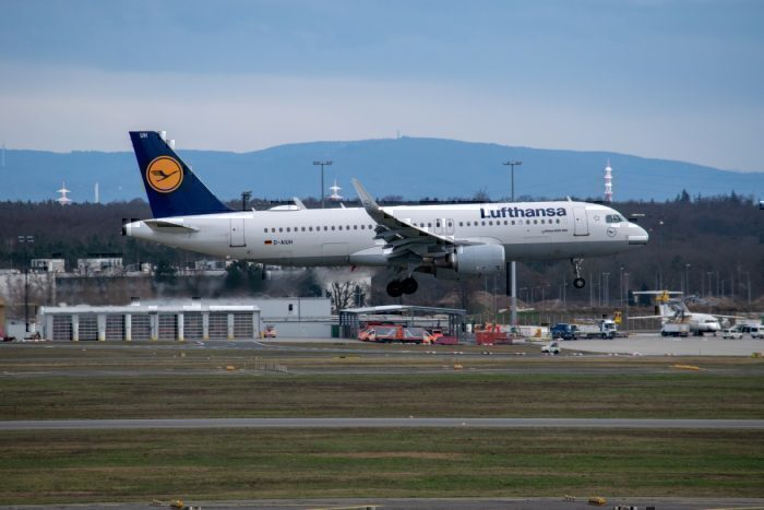 Lufthansa, Airbus A320, Grounded