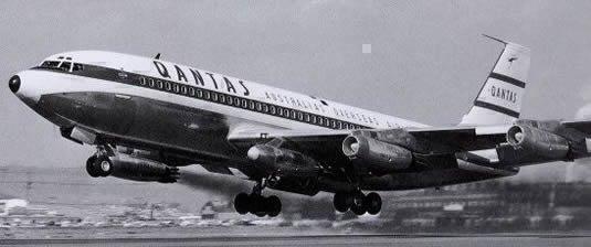 Qantas 707 5 Engines
