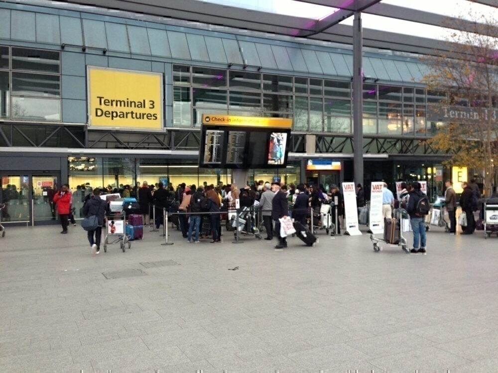 Heathrow terminal 3 queue