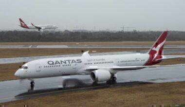 Qantas-Social-Distancing-Critisizm