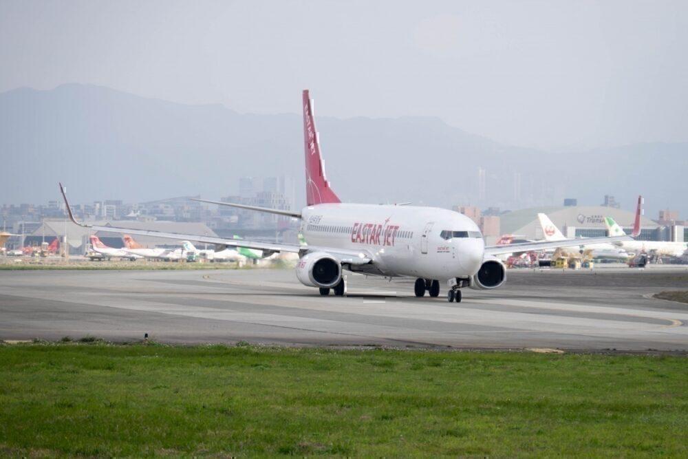 Eastar Jet B737-800
