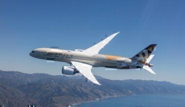 Etihad Airways Boeing 787-9 small