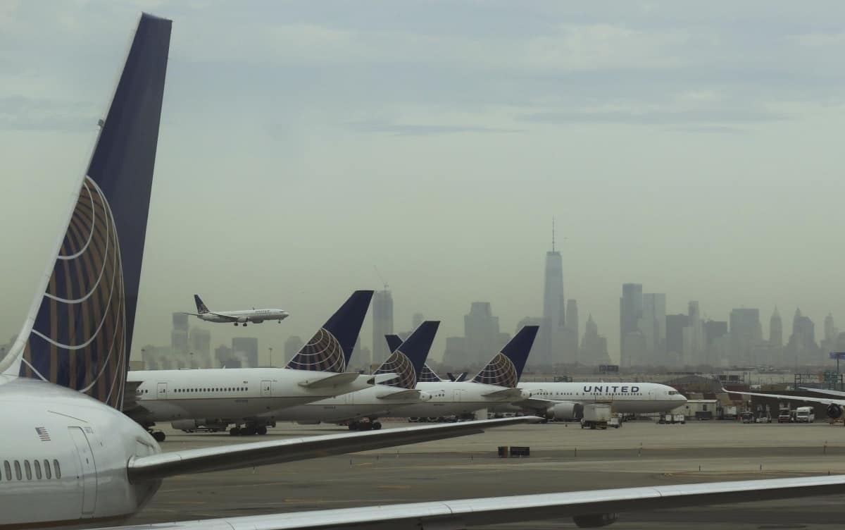 United tails parked