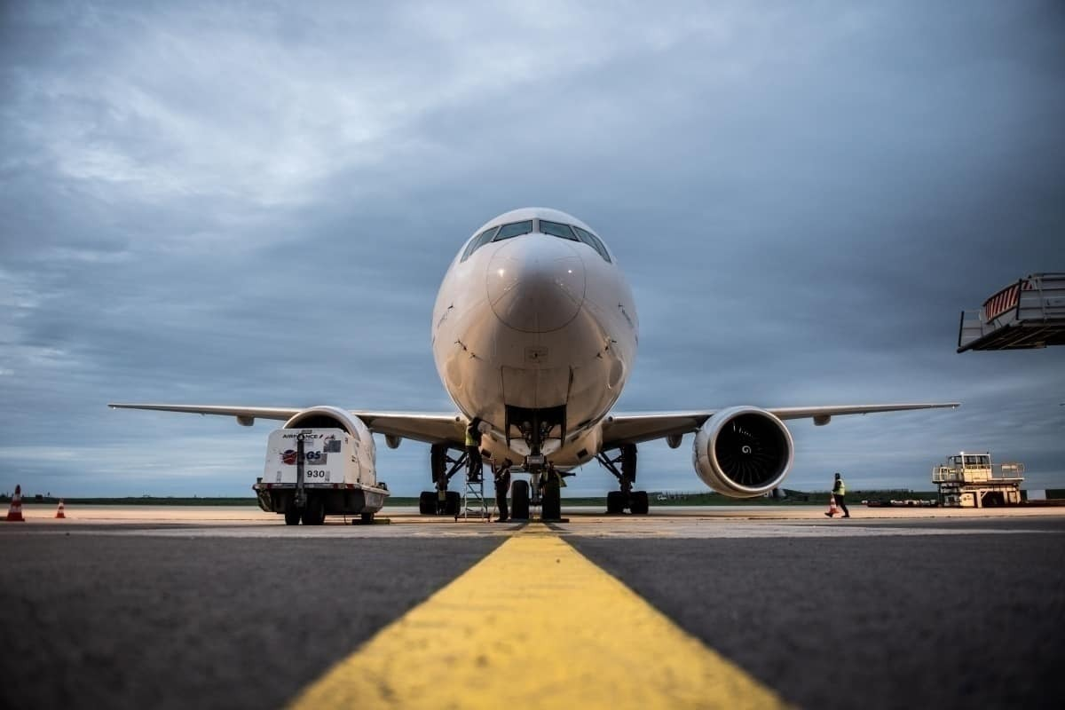 Boeing 777 on tarmac