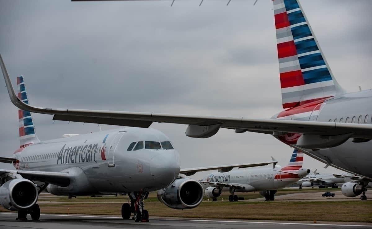 American Airlines queue