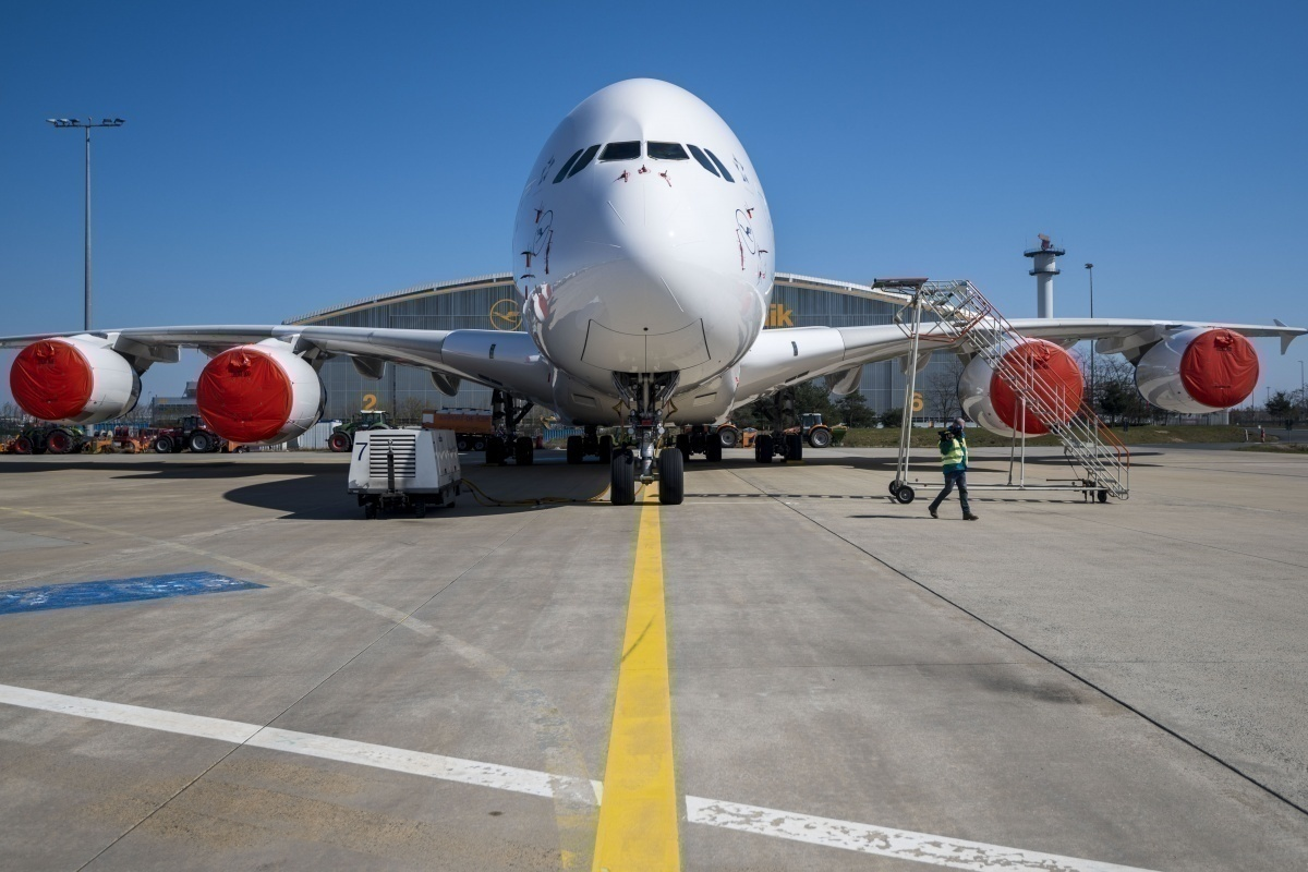 Europe delays air traffic control payments