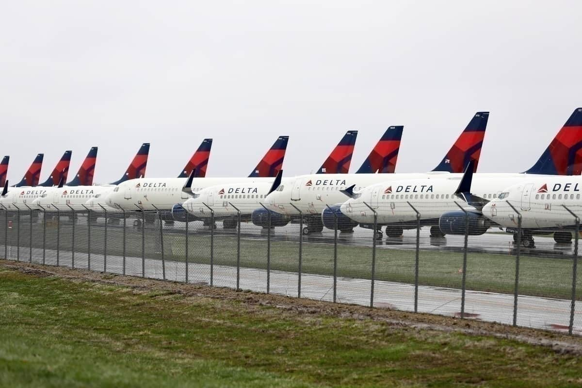 US carriers to receive payroll bailout