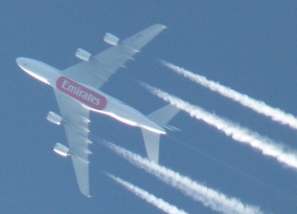 Emirates Airbus A380 Contrails