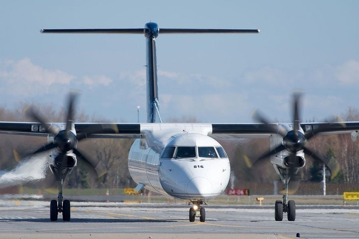 porter-airlines-dash-8