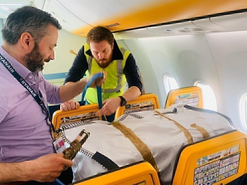 Ryanair, Medical supplies, relief flight