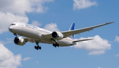 United-Airlines-shares sale