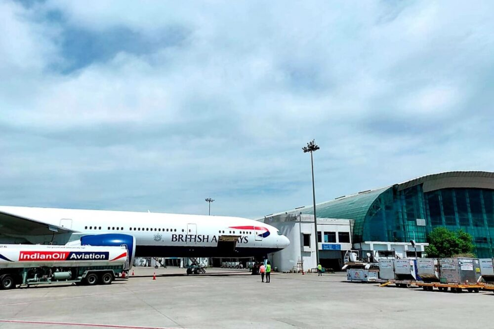Another flight takes back Britons to home from Pakistan