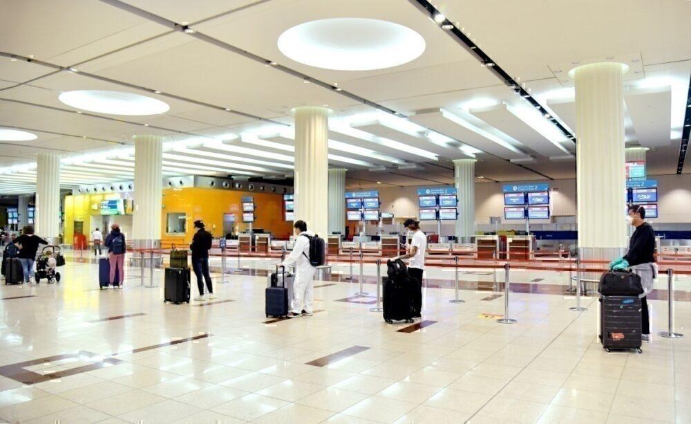 Dubai Airport social distance