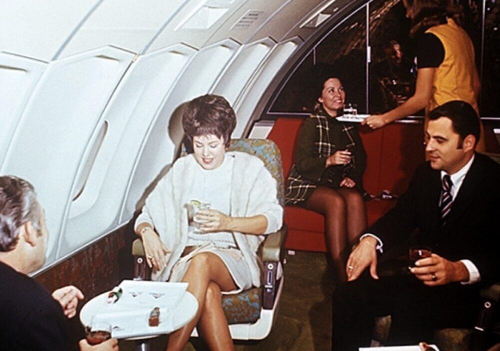 Delta 747 Penthouse