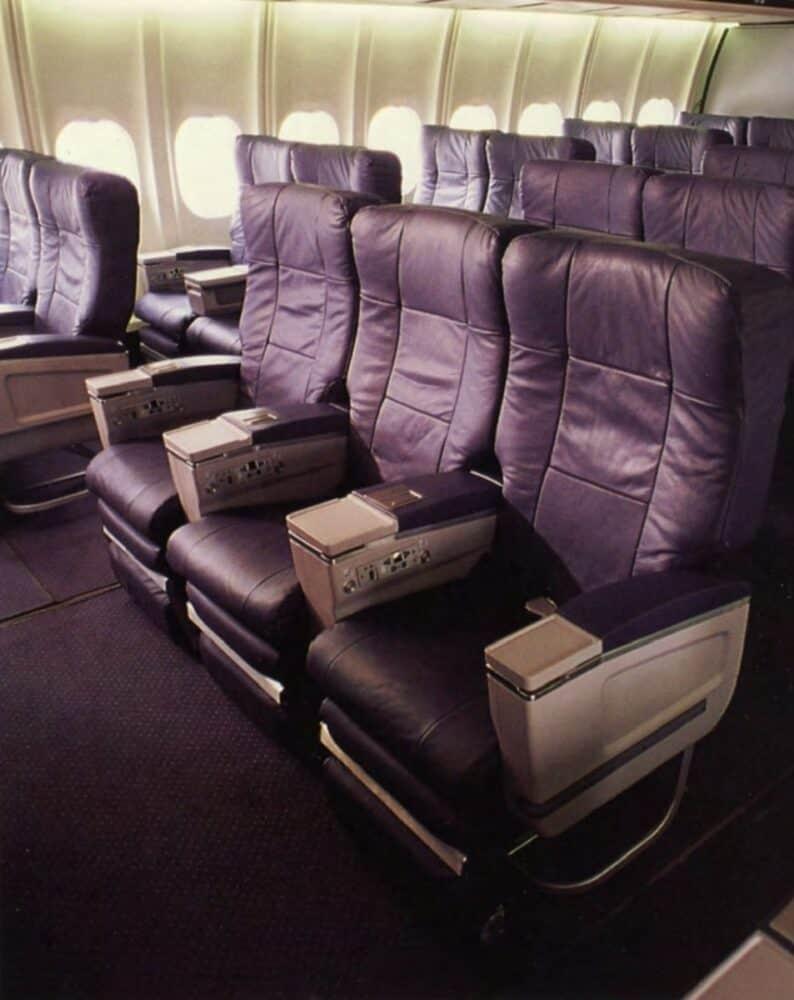 Delta MD-11 interior
