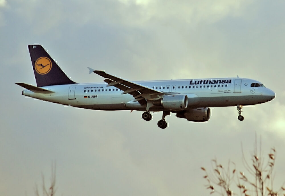 These Are The Oldest Airbus A320s Flying Passengers