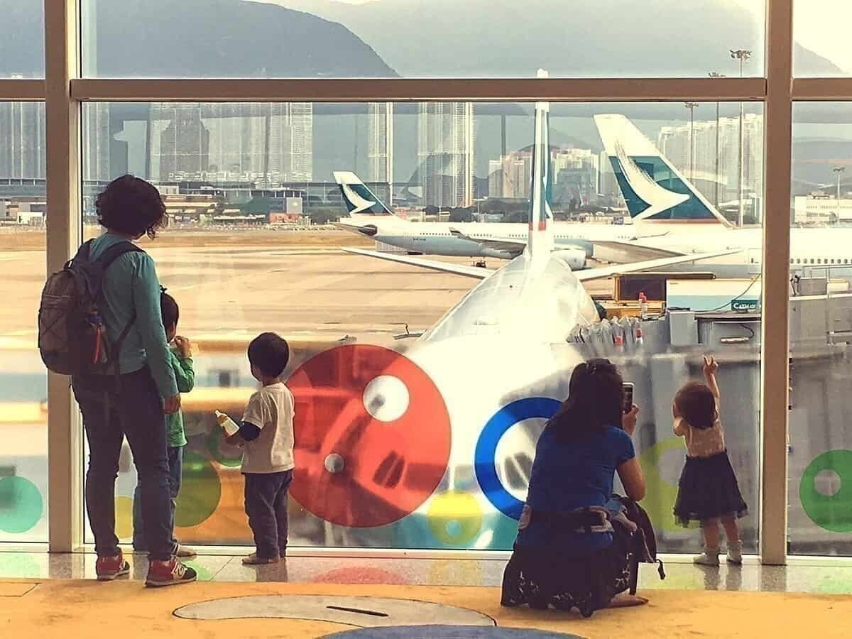 10 Tips For Flying With Young Children During The COVID-19 Pandemic
