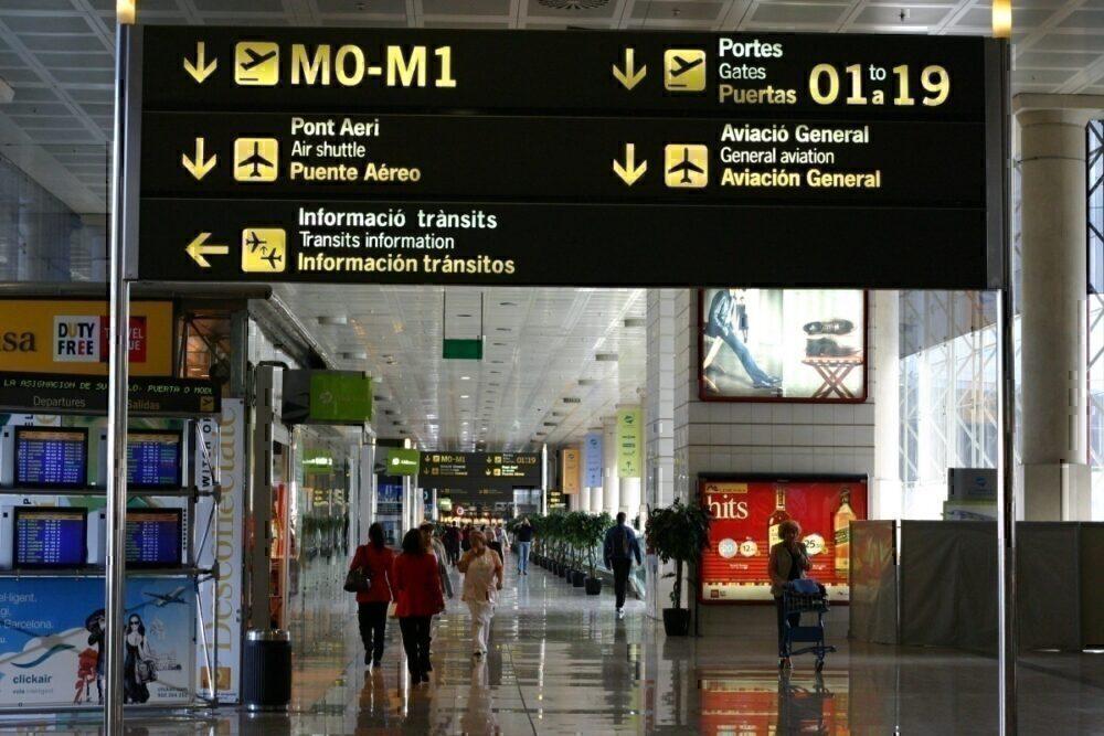 Barcelona Airport departures