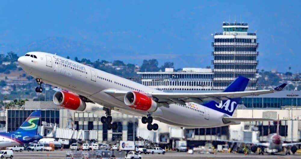 SAS aircraft taking off