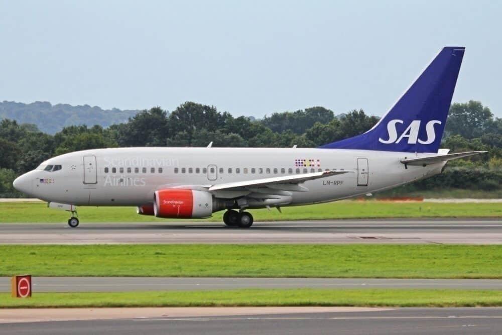 SAS aircraft taxiing