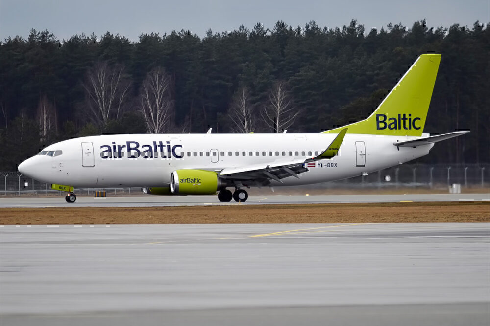 airBaltic 737
