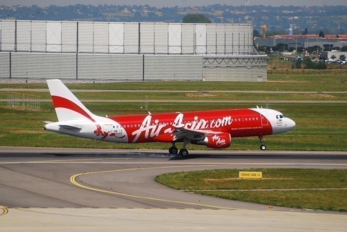 AirAsia Donates Food To Over 1,700 Families