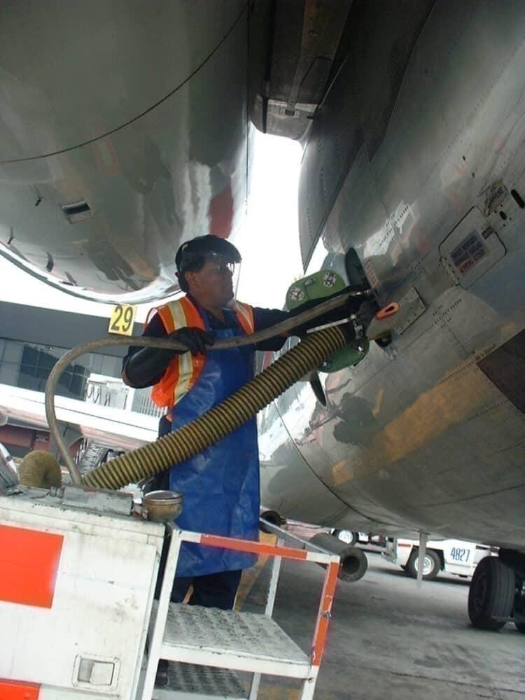 Aircraft lavatory service