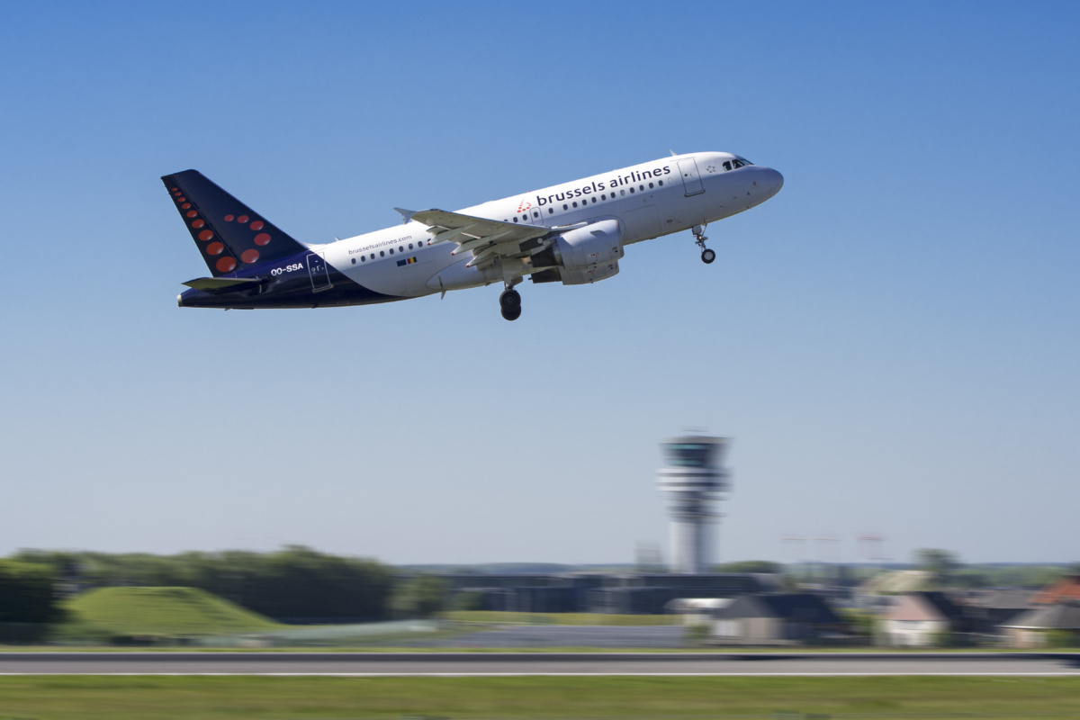 Brussels Airlines A319 in flight