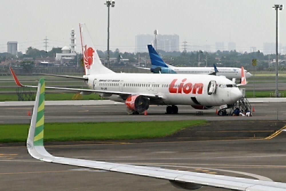 Garuda Indonesia, Lion Air,