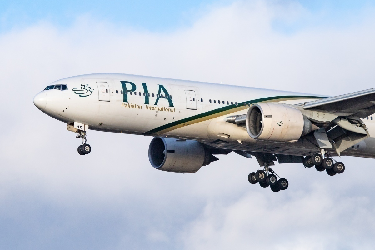 PIA Boeing 777-200