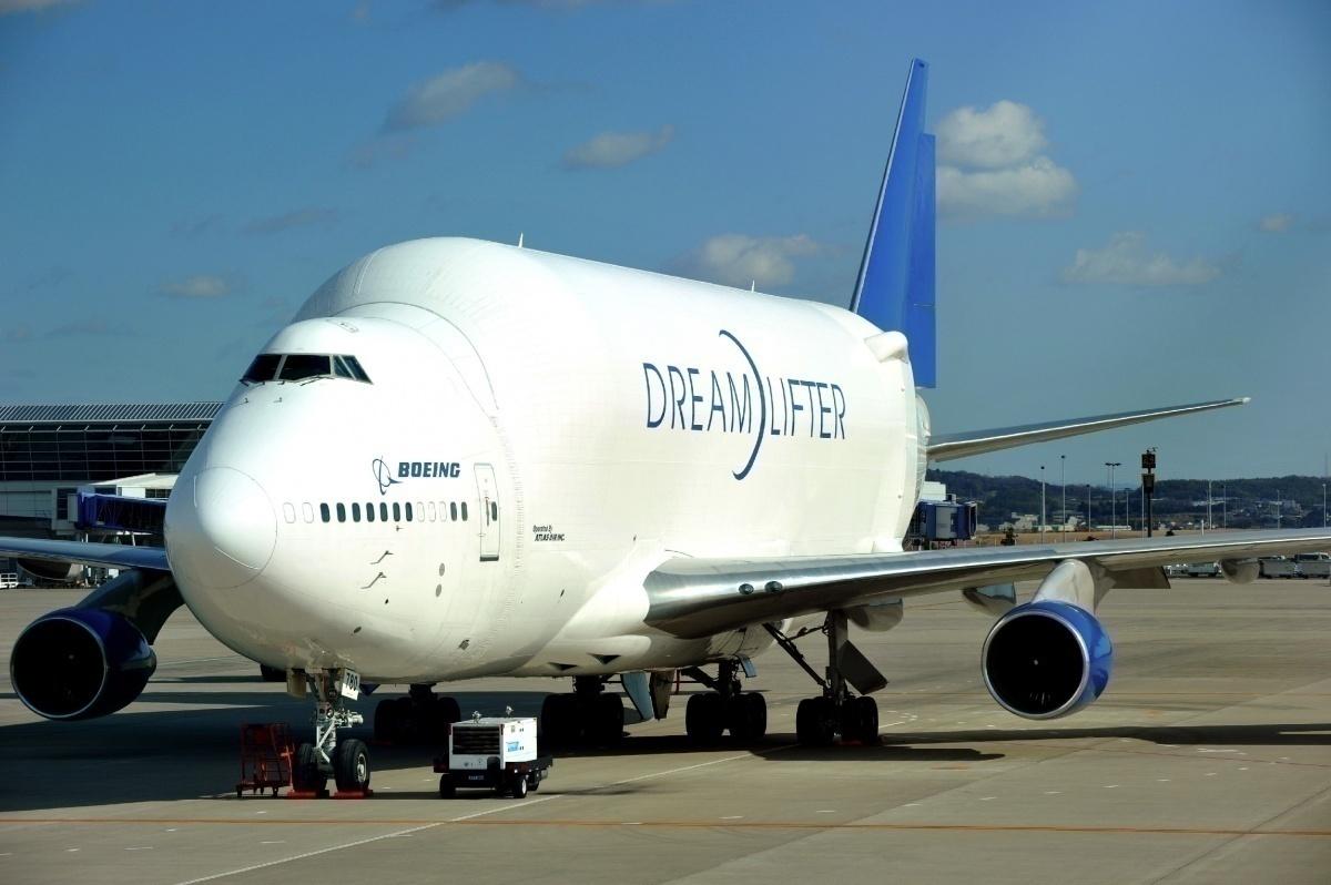 Boeing Dreamlifter cargo plane