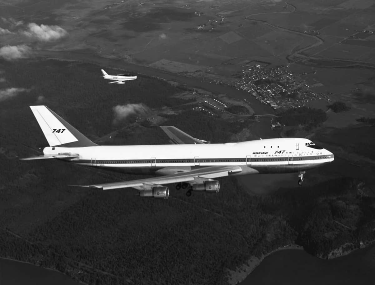 What Are The Oldest Boeing 747s In Operation?