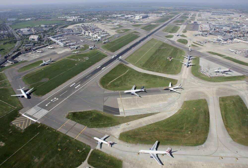 Heathrow runway queue