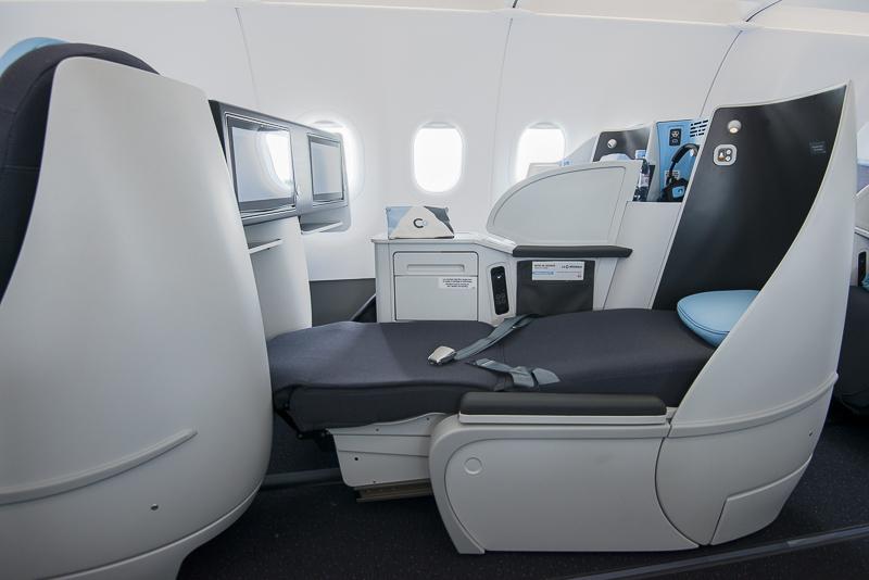 La Compagnie fully flat seats