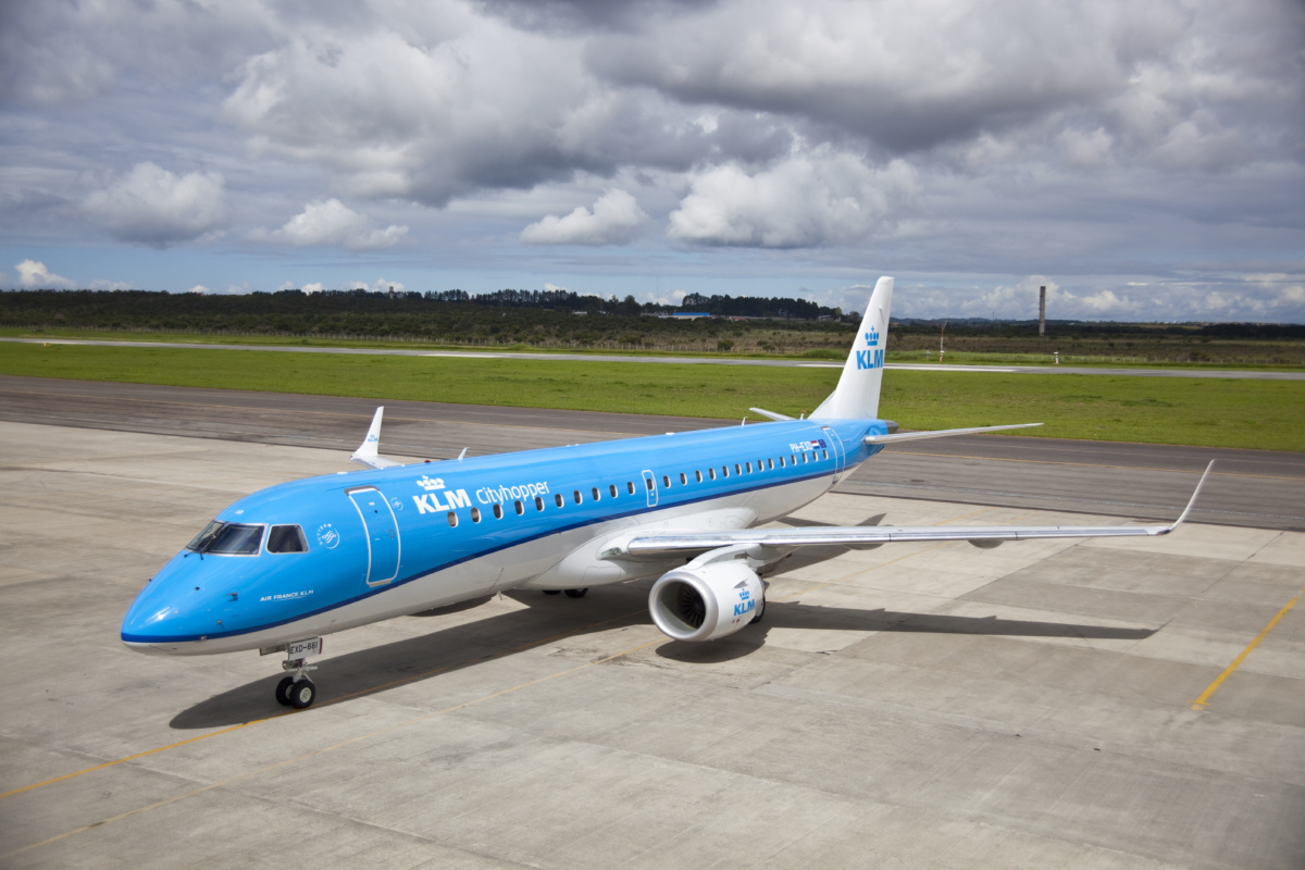 KLM E190 Suffers Anti-Ice Leak In Wing Prompting Amsterdam Return - Simple Flying
